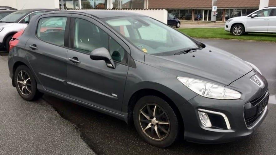2013-Peugeot-308-1